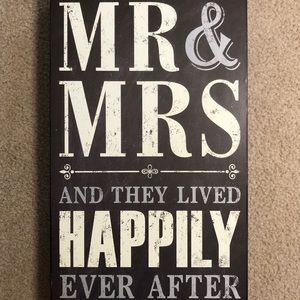 Black and White Mr & Mrs Wood Sign